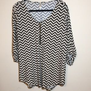 Tacera 3/4 Sleeve Blouse Black  and Cream Size L